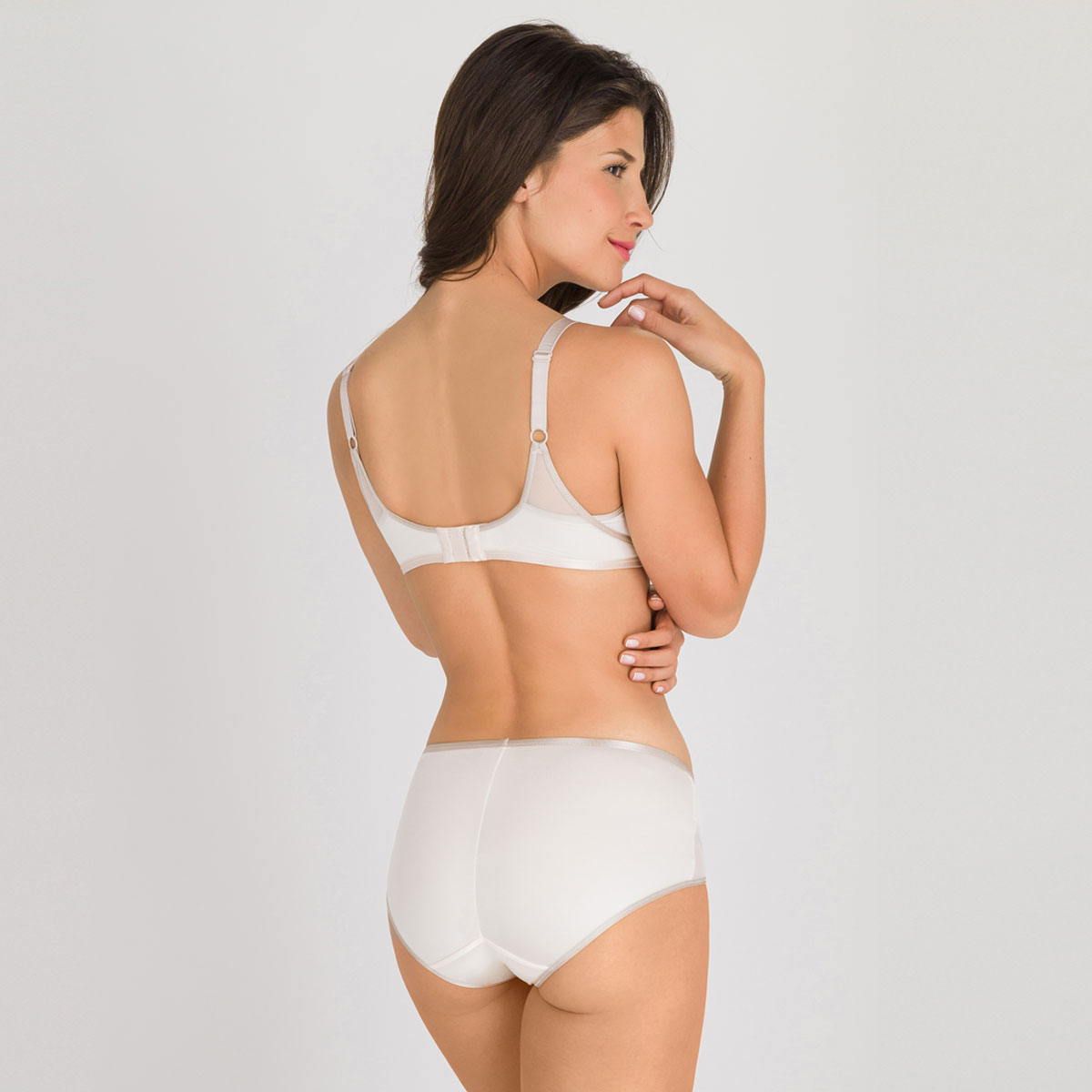 Soutien-gorge sans armatures ivoire - Ideal Beauty-PLAYTEX
