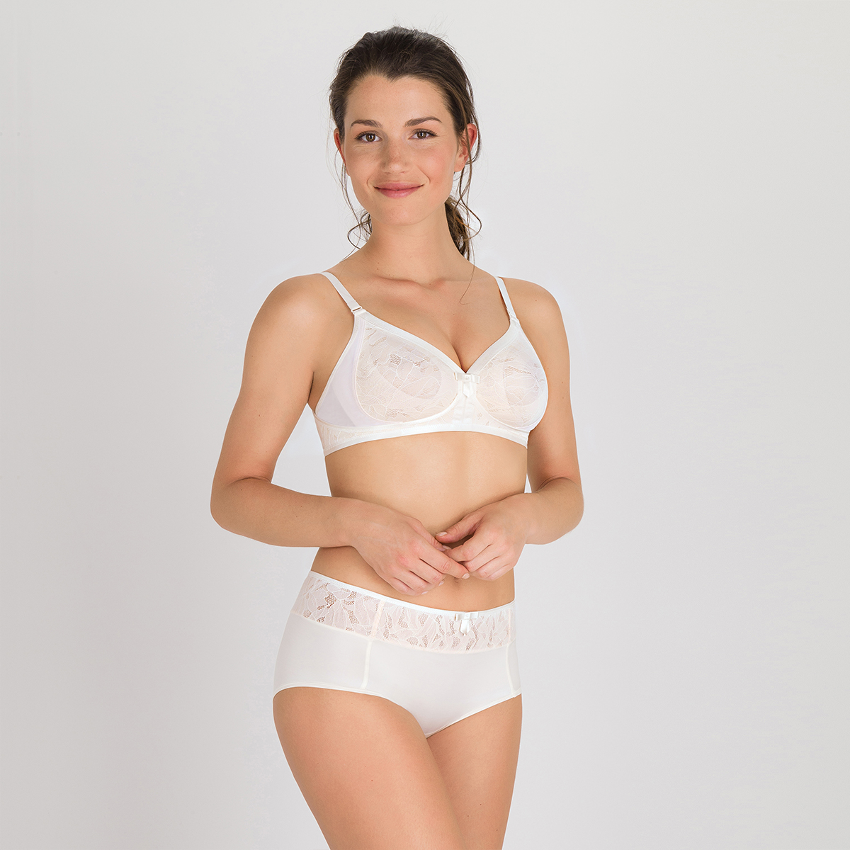 Soutien-gorge sans armatures ivoire - Ideal Beauty Lace, , PLAYTEX