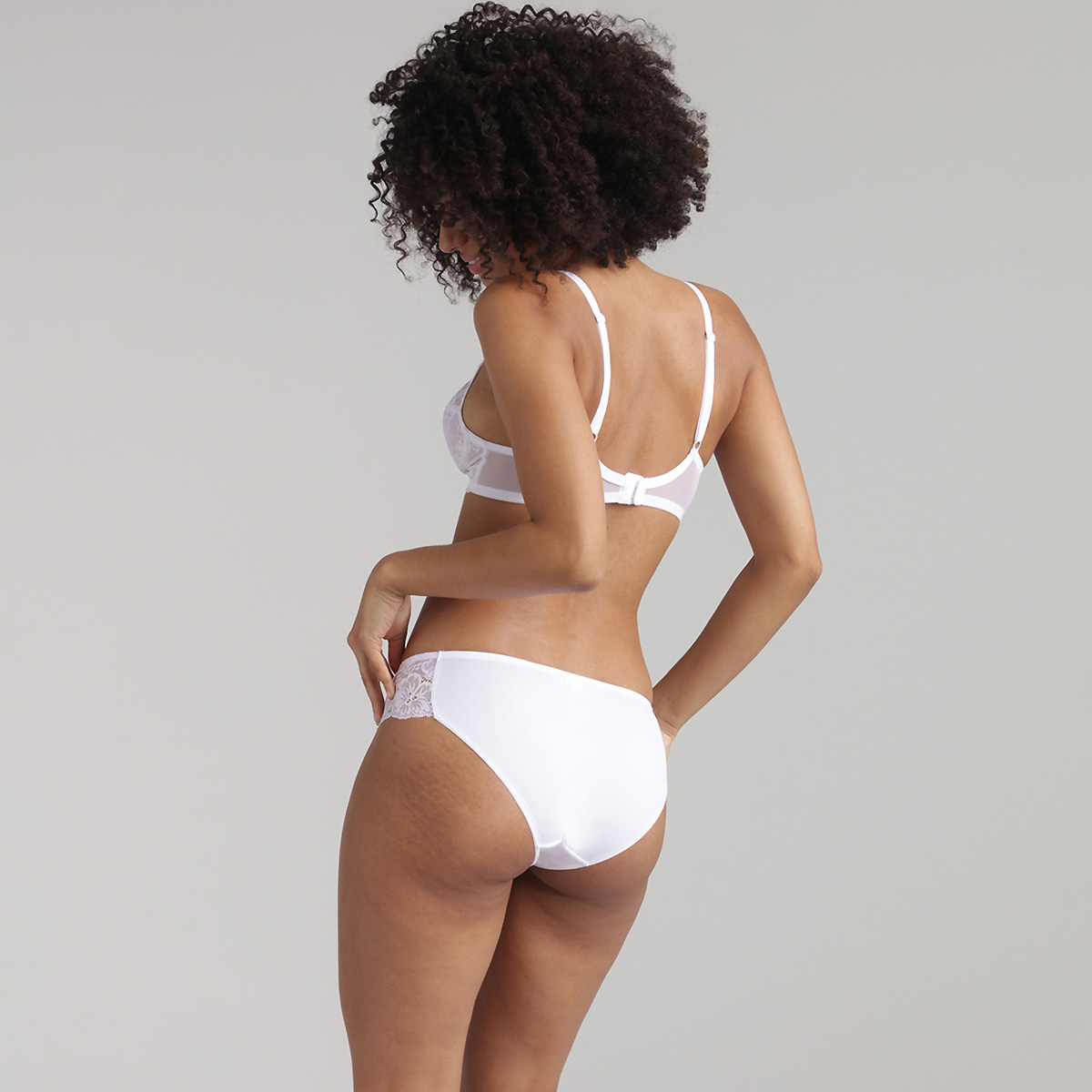 Soutien-gorge sans armatures dentelle blanc Essential Elegance, , PLAYTEX
